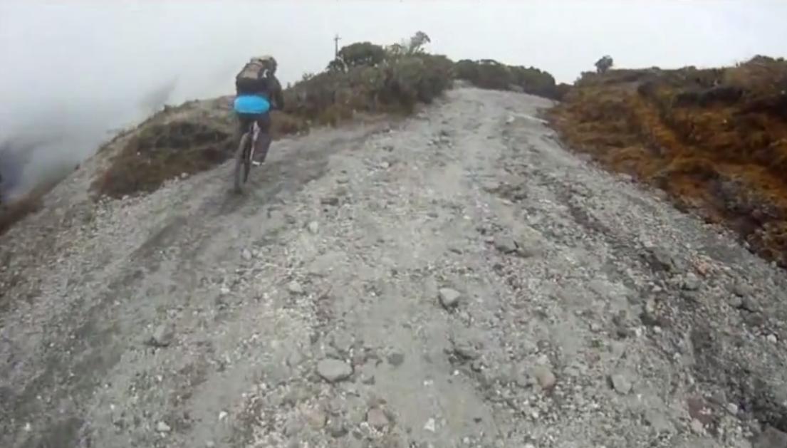 Bajando el Volcán Barú en Bicicleta